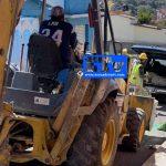 Video: Captan a trabajador cargando bultos de cemento (SEDATU) a camioneta particular en Juárez centro